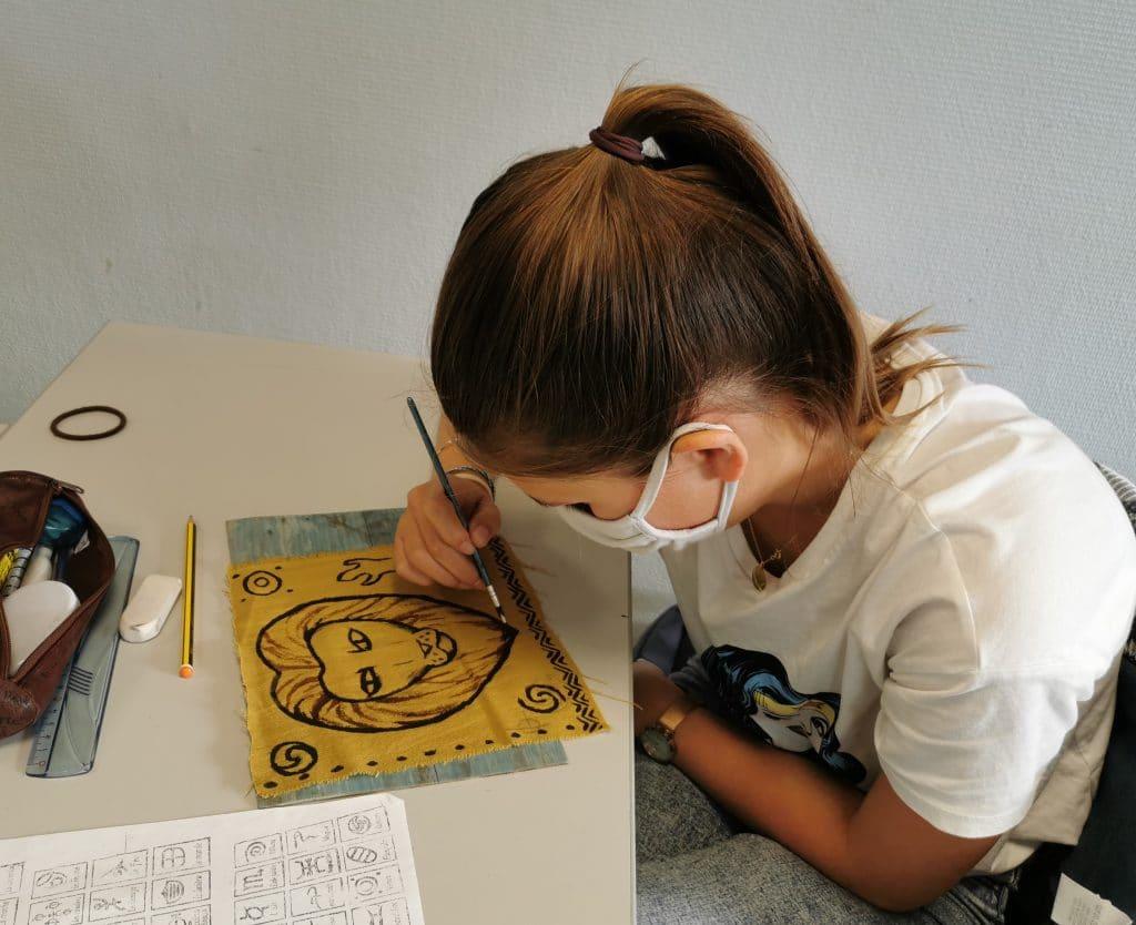 Atelier de peinture sur tissu Bogolan